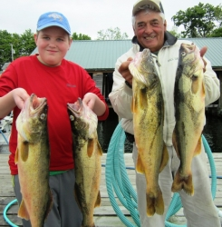 129819677-h-walleye-dad-with-brooks-jr-052814-600