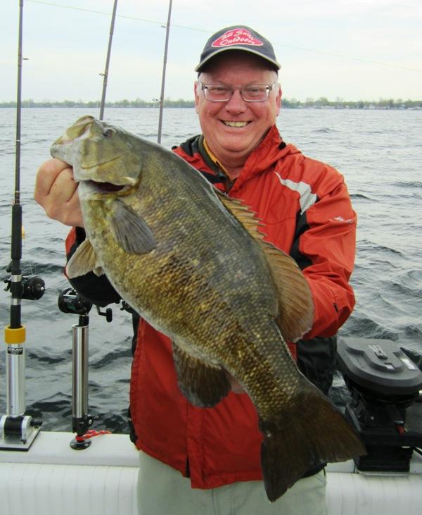 V Bass Doug Nieman 051414-600